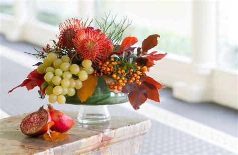 centrotavola frutta e fiori centrotavola per matrimoni addobbi floreali per