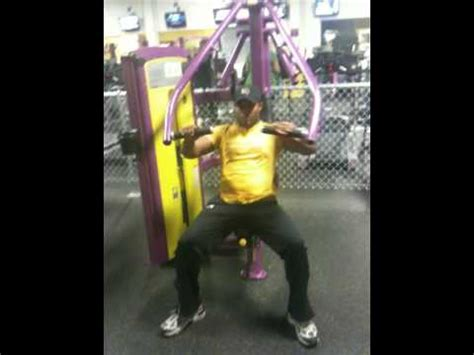 planet fitness bench press planet fitness chest press machine youtube