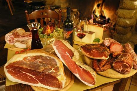 alimenti tipici italiani esportazione cibo e vino italiano