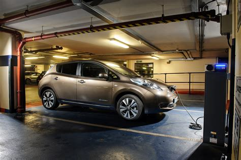 Nissan Leaf 2020 Uk by More Electric Charging Stations Than Fuel Stations By 2020