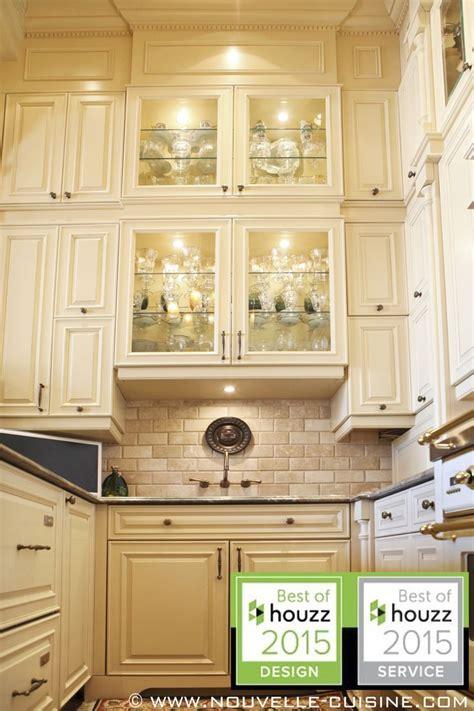 hauteur comptoir cuisine 1000 images about id 233 es d armoires de cuisine classiques