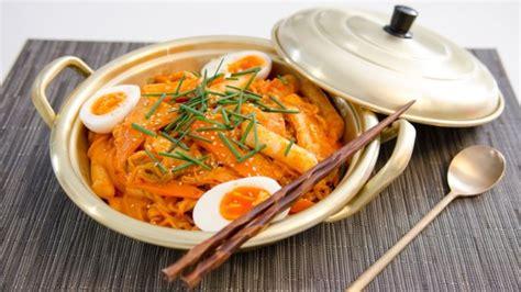 Korean Rice Cake Noodle Instant Mie Beras Korea korean food made simple food network uk