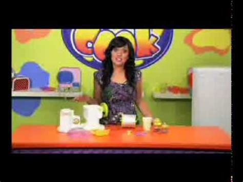 tattoo maker toys r us let s cook ice cream parlour at toys r us youtube