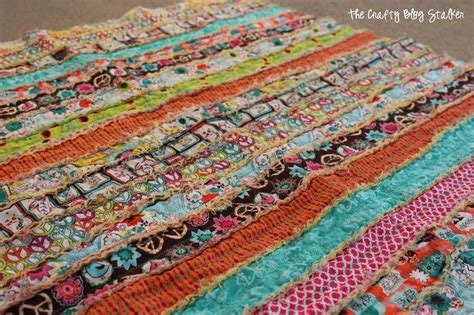 How Many Jelly Rolls For A King Size Quilt by How To Make A Fabric Rag Quilt The Crafty Stalker