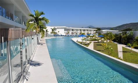 pool resort douglas douglas accommodation 2 free nights swimout rooms