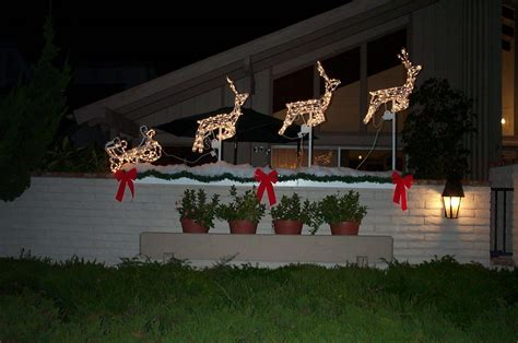 exterior cool outdoor christmas decorations ideas simple
