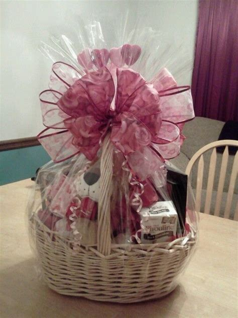 valentines gift delivery best 25 s day gift baskets ideas on