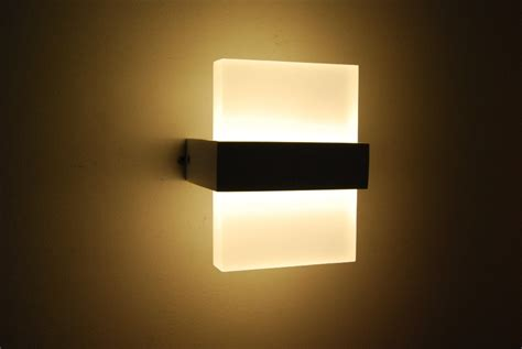 Led Lights In Bedroom Led Bedroom Wall Lights 10 Varieties To Illuminate Your Bedrooms Warisan Lighting