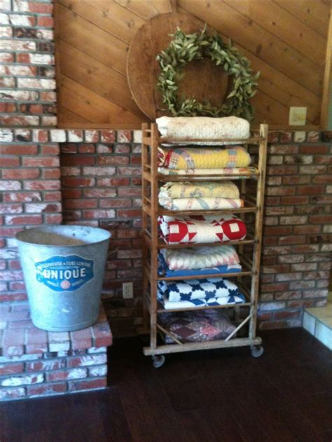 Quilt Display Hanger by 17 Best Ideas About Quilt Racks On Quilt Display Quilt Ladder And Quilt Hangers