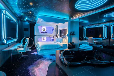 space room fantasyland hotel 2017 room prices deals reviews expedia