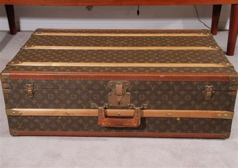 Vintage Steamer Trunks Louis Vuitton Vs Free by Vintage Louis Vuitton Luggage Steamer Trunk At 1stdibs