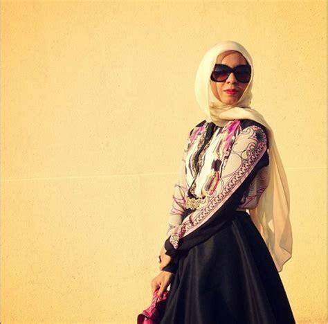 Pertiwi Blouse skirt ciri khas desainer cantik kuwait foto 5