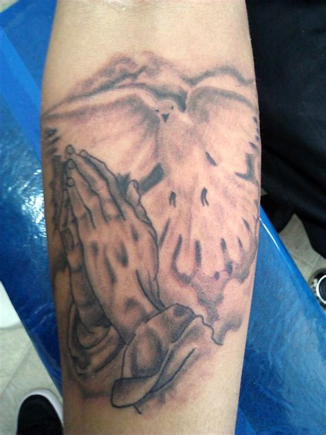 praying hands with rosary tattoo designs praying tattoos designs ideas and meaning tattoos