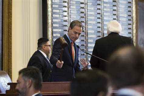 will joe straus choose to keep the speaker s chair in 2019
