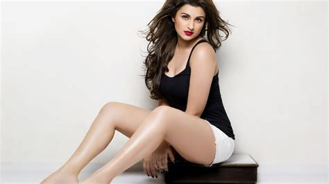 wallpaper 4k hot wallpaper parineeti chopra indian actress hot 4k