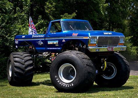 monster trucks bigfoot bigfoot monster truck wallpaper wallpapersafari