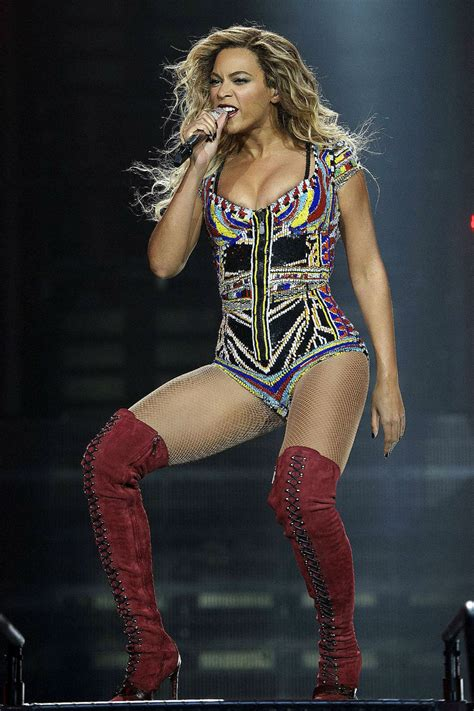 Beyonce Knowles Wardrobe by Beyonc 233 Just Treated Us To Most Fabulous Concert Look Yet