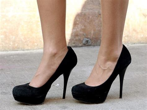 wearing high heels how until high heels start to hurt ny daily news