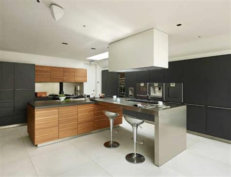 accessoires de cuisine en inox cuisine et bois un espace moderne et intrigant