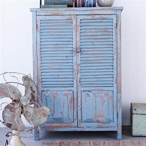 shabby chic schrank rustikaler schrank in blau mit shabby chic style into