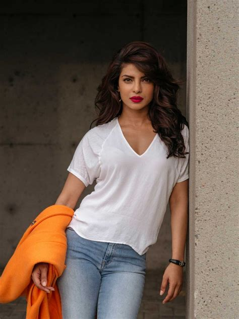 priyanka chopra ka english gane personalities theleading10