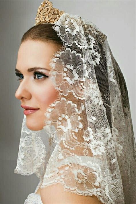 hairstyles with mantilla veil short lace mantilla veil with gold bridal crown wedding