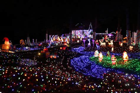 when to put up christmas lights when to put up christmas lights best time mouthtoears com