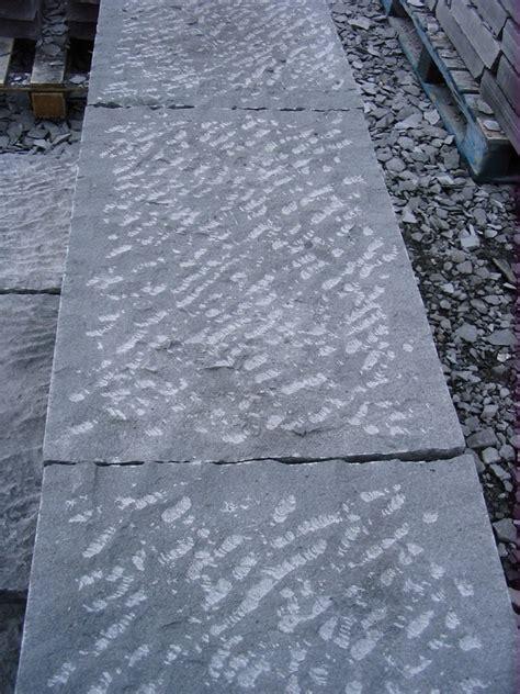 pavimenti in pietra lavica pavimento in pietra lavica lavorato a puntillo