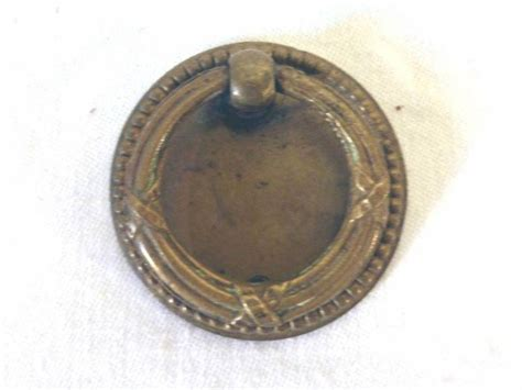 lot de 5 anciens boutons de tiroir 224 anneaux le grenier