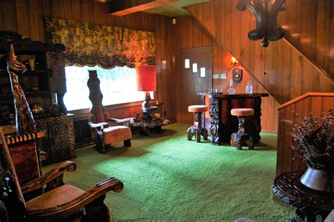 jungle room photography and story elvis graceland the jungle room opher s world
