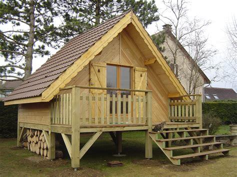petit chalet en bois de jardin charmant abri de jardin en bois 20m2 11 construire un petit chalet en bois wasuk