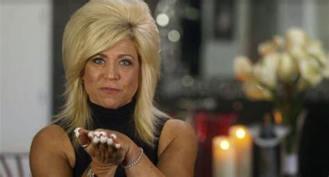 long island medium clothes carson kressley gets a reading and theresa has breast