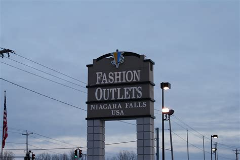fashion outlet fashion outlets niagara falls new york