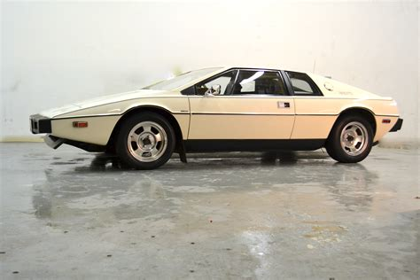 service manual how to change 1992 lotus esprit knuckle bushing service manual how to change