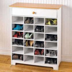 Rak Sepatu Tertutup trik menyimpan sepatu agar tak mudah rusak bau dan