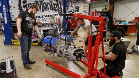 the guys gas monkey garage sling a ford gt engine like a