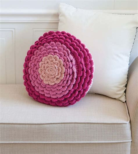 zinnia pattern review crochet to calm book review and pattern excerpt the