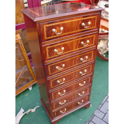 Commode Types by Commode Type Wellington Chest