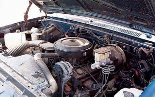 1985 chevrolet c10 custom engine view photo 3