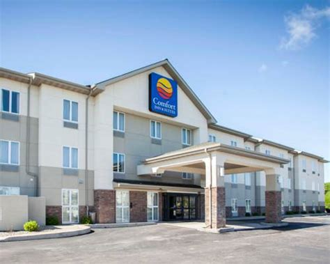 comfort inn downtown kansas city mo places to stay with indoor pool in kansas city mo