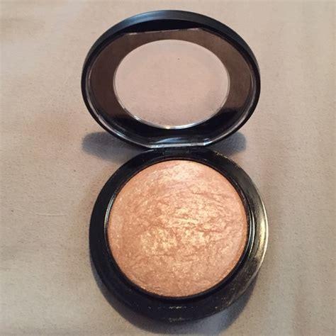 Mac Highlighter how to use mac makeup highlighter makeup vidalondon