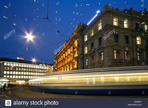 ubs bank filialen schweiz bahnhofstrasse zurich winter stockfotos bahnhofstrasse