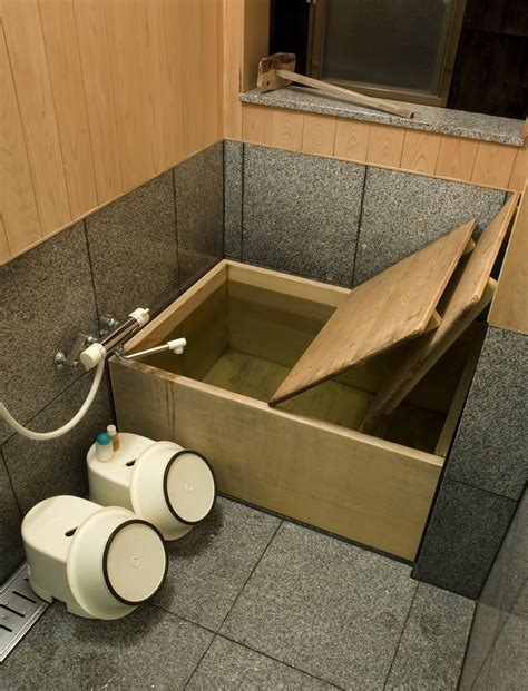 ofuro bathtub file ofuro at tamahan ryokan kyoto jpg wikipedia