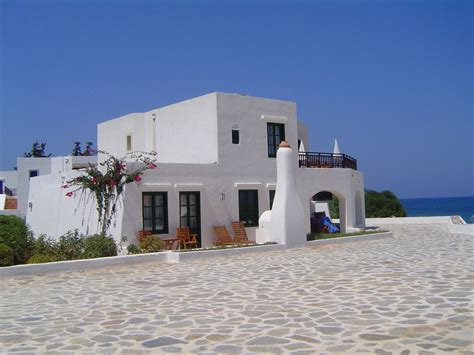 White Greek House By K0y0te On Deviantart