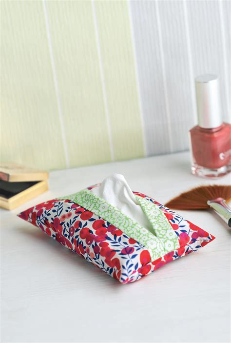 sewing pattern magazine holder lunchtime make floral tissue pouch free sewing patterns