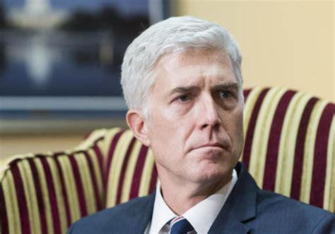 neil gorsuch resume partisan democrats attack gorsuch s pro bono service