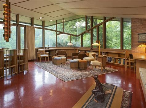 frank lloyd wright living room 6 dreamy frank lloyd wright designed homes for sale