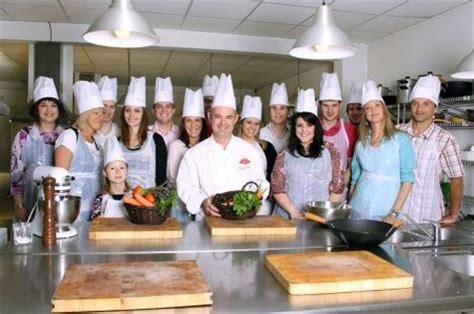 cours de cuisine c駘ibataire franchise renaud defour dans franchise cours de cuisine
