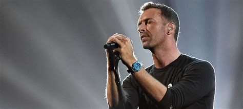 chris martin chris martin duets with george michael during emotional