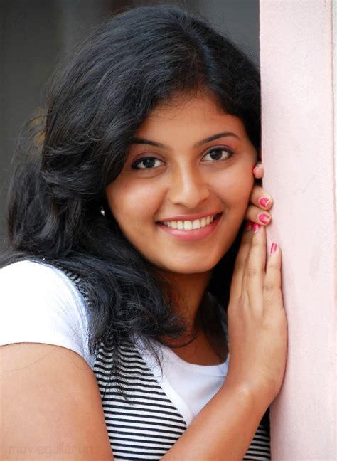 actress anjali childhood photos tollywood trip actress anjali photos